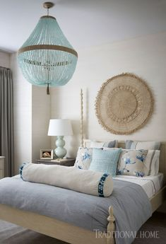 Vintage Home Decor For More Traditional Interior Design – BusyAtHome Traditional Interior, Modern Interior, Interior Design, Coastal Interior, Beautiful Bedrooms, Beautiful Homes, House Beautiful, Cancun, Furniture