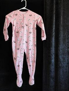 Size 4T Girls ~ *Carters - Pink w/Cows, Moons & Starts Pajamas w/Feet In! Nice!