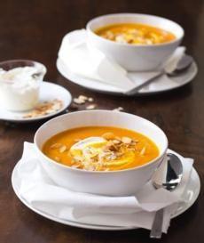 Recepty: Dýňová polévka s praženými mandlemi Family Meals, Healthy Life, Cooking Recipes, Cheese, Squash, Ethnic Recipes, Food, Hokkaido, Healthy Living