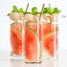 Msg 4 This delicious Sparkling Watermelon Lychee Cocktail is perfect for all your summer parties and get-togethers! Msg 4 This delicious Sparkling Watermelon Lychee Cocktail is perfect for all your summer parties and get-togethers! Fancy Drinks, Summer Drinks, Summer Parties, Spring Cocktails, Picnic Drinks, Colorful Drinks, Lychee Cocktail, Watermelon Cocktail, Lychee Juice