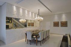 Mosaico Paris - Arq. Mirella Maior - Foto: Cacio Murilo  #castelatto #piso #parede #design #arquitetura #revestimento #decor #decoração #sofisticacao #textura #inovacao #floor #revestimento #wall #interioresdesign #style #decoraçãodeinteriores #decordesign #decorando #referencia #decoration #decorlovers #decoracao #archilovers #castelatto #castelato#saladejantar #dining #diningroom #comedor