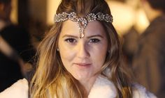 Crystal head band look reveillon, all white street style ootd silver fashion