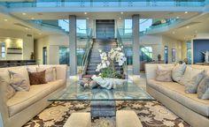 Stunning Beach House Located In Malibu Beach, California