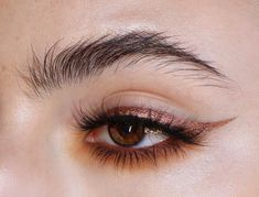 Copper eye make-up, winged eyeliner, natural brows, # eyes . Makeup Goals, Makeup Inspo, Makeup Art, Makeup Tips, Beauty Makeup, Hair Beauty, Makeup Ideas, Makeup Style, Makeup Tutorials