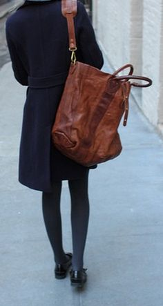 oversized bag coat with tights and flats - perfect combo Look Fashion, Fashion Bags, Winter Fashion, Mode Style, Style Me, Talons Sexy, By Any Means Necessary, Inspiration Mode, Outfits With Hats