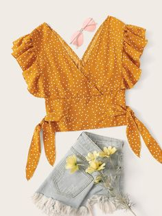 To find out about the Polka Dot Flounce Trim Shirred Blouse at SHEIN, part of our latest Blouses ready to shop online today! Mode Pastel, Pretty Outfits, Cute Outfits, Diy Clothes, Clothes For Women, Blouse Designs, Ideias Fashion, Kids Fashion, Casual Outfits