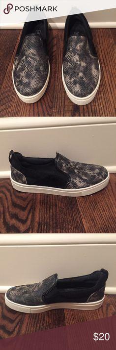 Top shop rattlesnake slip on sneaker! Rattlesnake slip on sneaker. Worn once but are too small for my feet. White platform bottom. Topshop Shoes Sneakers