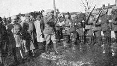General Mannerheim saluting White Guardsmen at the front, 1918