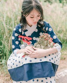 한복 Hanbok : Korean traditional clothes[dress] | #ModernHanbok Oriental Fashion, Asian Fashion, Unique Fashion, Womens Fashion, Fashion Design, Korean Traditional Dress, Traditional Fashion, Traditional Dresses, Korean Dress