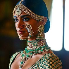 BOOM  Take inspiration from the @sabyasachimukherjee bride. #BlingADingDing