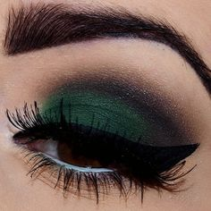 green eyeshadow, smoky