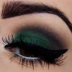 green eyeshadow, smoky