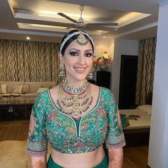 Sabyasachi Bride Wore A Fully Embroidered Sea-Green 'Lehenga' Breaking Barriers Of The Red Look Beauty Trends, Beauty Hacks, Sabyasachi Bride, Green Lehenga, Bride Look, Bridal Beauty, Sea, Indian Jewelry, How To Wear