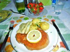 Schweinekotelette paniert, Spargelspitzen mit Sauce Bérnaise