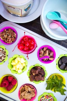 How to host a build your own ice cream sundae party for kids. This fun backyard party idea is great for keeping any messes outside. Mix and match healthy fruit toppings with sweet and easy cookies and candies for a sundae bar idea everyone will love. Friendly's Ice Cream, Sundae Party, Sundae Recipes, Peanut Blossoms, Fun Backyard, Icecream Bar, Healthy Fruits, Candies