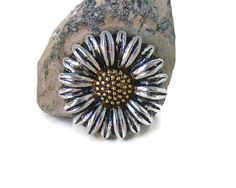 Sunflower design noosa style snap charm button for snap button jewelry, like ginger snaps and magnolia and vine