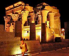 El templo de Kom Ombo, paquetes de viajes en Egipto http://www.espanol.maydoumtravel.com/Paquetes-de-Viajes-Cl%C3%A1sicos-en-Egipto/4/1/29