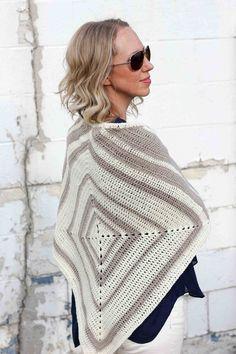 Crochet can be modern! Easy geometric crochet pattern to make a lightweight summer wrap. Crochet Shawls And Wraps, Crochet Poncho, Crochet Scarves, Crochet Clothes, Free Crochet, Crochet Sweaters, Knitted Shawls, Japanese Crochet, Triangle Scarf