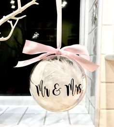Personalised Christmas Bauble for Xmas Tree Decoration Mr and Mrs Feather Bauble. Lovely Christmas gift for a newlywed couple for Personalised Bauble, Personalised Christmas Baubles, Diy Christmas Ornaments, Christmas Balls, Handmade Christmas, Personalised Gifts Handmade, Personalized Ornaments, Cricut Christmas Ideas, Christmas Crafts