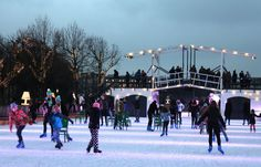 Ice skating in Amsterdam at Museumplein at IceAmsterdam #amsterdam #iceskating