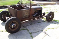 1927 MODEL T MODIFIED, ALL DRY LAKES STYLE. REBUILT MODEL'A' MOTOR. HIGH COMPRESSION HEAD. DOWN DRAFT 94. LAKES HEADER. 39 FORD FRONT AND REAREND ON...