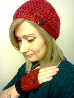 Maroon Slouch Hat with matching Fingerless by DanielleSeevers,