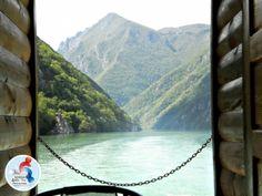 """Ukoliko želite da ovog maja upoznate Taru na potpuno drugačiji način, krenite u izazov pod imenom """"TARA NATURE FEST 2014"""". Putovanje traje 4. dana (od 1. do 4. maja) u toku kojih ćete imati priliku da na potpuno aktivan način doživite ovu kraljicu planina. http://www.serbia.com/srpski/tara-nature-fest-2014-upoznajte-taru-uz-srbiju-za-mlade/"""