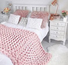 Chunky Knit Blanket Merino wool blanket Chunky knit throw Arm knit blanket Gifts for women Giant knit blanket Big Knit Blanket Pink Baby Blanket, Big Knit Blanket, Chunky Blanket, Chunky Knit Decke, Chunky Knit Throw, Chunky Yarn, Thick Yarn, Room Ideas Bedroom, Bedroom Decor