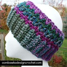 This free crochet pattern for a winter earwarmer is part of a set - and you can also slide this lovely earwarmer down around your neck to wear it as a cowl!