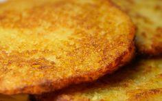 Klasický recept na bramboráky. Bramboráky jsou vynikající pochoutkou a přitom je jejich příprava tak jednoduchá. Vyzkoušejte tento recept na bramboráky.