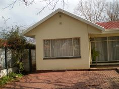 4 Bedroom House, Solar System, Family Room, Shed, Lounge, Outdoor Structures, Home, Airport Lounge, Sistema Solar