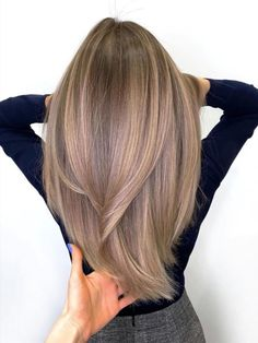 Brown Hair Colors Discover 50 Best Layered Haircuts and Hairstyles for 2020 - Hair Adviser Layered hair is a top choice in Having trouble finding a perfect cut for you? Weve got a really good list of layered hairstyles for women check out! Layered Haircuts For Women, Layered Hairstyles, Summer Hairstyles, Long Layered Haircuts Straight, Layers For Long Hair, Straight Hairstyles For Long Hair, Straight Ombre Hair, Amazing Hairstyles, Wedding Hairstyles