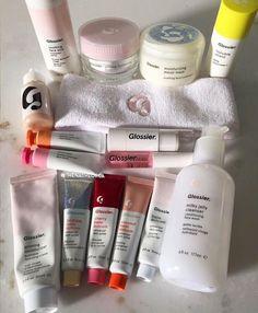 Beauty Care, Beauty Skin, Beauty Makeup, Beauty Tips, K Beauty, Schul Survival Kits, Priming Moisturizer, Glossier Moisturizer, Makeup Products