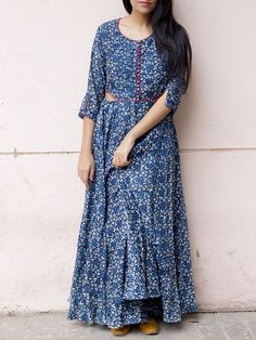 Elegance of indigo India Fashion, Asian Fashion, Boho Fashion, Girl Fashion, Pakistani Dresses, Indian Dresses, Indian Outfits, Kaftan, Kalamkari Dresses