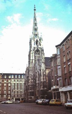 Lille (59) 13 octobre 1974. Eglise St-Maurice. (Diapositive numérisée).