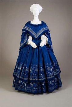 1855 day dress from Kent State University Museum