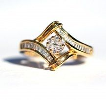 Does this pull at your heart strings? Beautiful Frame Diamond Ring 18YG   #DiamondsExclusive