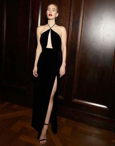 aspectabund Golden Globe Award, Golden Globes, Vanessa Kirby, Red Carpet Looks, Red Carpet Dresses, Red Carpet Fashion, Couture Collection, Nice Dresses, Long Dresses