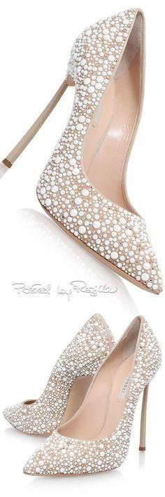 Regilla ⚜ Casadei via @swisschicboutiq. #heels #Casadei