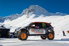 MINI Countryman John Cooper Works Backflip