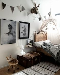 kid's room | monochromatic palette | vintage inspired design | interior design | interior decor