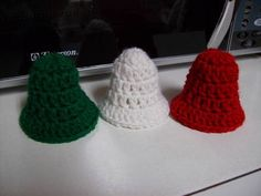 five minute crochet Christmas bells!!