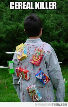 Need ideas for Halloween Costumes for Teen Boys? Here are some great DIY Halloween costume ideas that your teenager will love. Fete Halloween, Holidays Halloween, Halloween Crafts, Teen Halloween Party, Christmas Holidays, Teen Boy Costumes, Boy Halloween Costumes, Easy Homemade Halloween Costumes, Halloween Costume Ideas For Couples