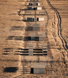 Located in Marfa Texas - by Donald Judd Minimalist Land Art Penetrable Interactive Mass and Volume Land Art, Op Art, Landscape Architecture, Architecture Design, Marfa Texas, Le Far West, Environmental Art, Art Plastique, Public Art