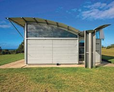 Magney House, Bingie Point, Moruya, on the NSW South Coast, Australia Glenn Murcutt Glen Murcutt, Green Roof Benefits, Building A Container Home, Alvar Aalto, Amazing Buildings, Grand Designs, Modern Traditional, House Roof, Residential Architecture