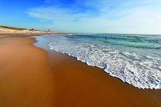 Plage de Biscarosse  @Alain Vacheron - OT de Biscarosse  #france #littoral #atlantique #biscarosse Places Ive Been, Places To Go, Destinations, France Travel, Beach Trip, Bordeaux, Coast, Europe, World