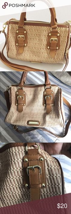 Steve Madden handbag Brown detailed  zippered purse. 3 small pockets inside. Double handle and adjustable strap. No major flaws. Steve Madden Bags Satchels