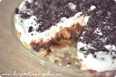 Quick & Easy Chocolate Peanut Butter Oreo Pie