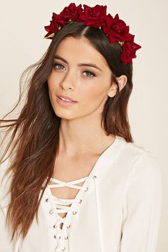 Shop Women's Hair Accessories at Forever 21 for the perfect final touch. Browse printed headwraps, mini hair clips, faux pearl hair pins, sleek headbands & more. Flower Crown Hairstyle, Headband Hairstyles, Wedding Hairstyles, Beauty And The Best, Rose Crown, Pearl Hair, Floral Hair, Headpiece, Fascinator