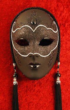 Black panther... Venetian mask